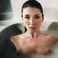 nude celebs in hot tub